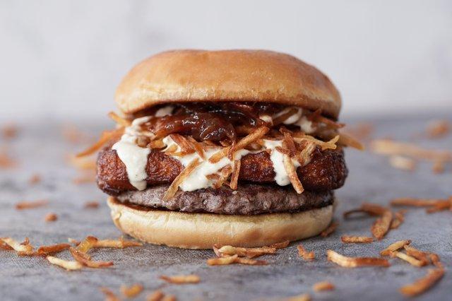 Burger Pincho Tremendo Burger 1.jpg