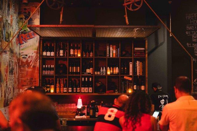 Bar at Buya Wynwood Photo Credit Foodshootsdan.jpg