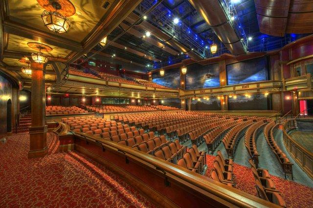 auditorium-86197_1920.jpg