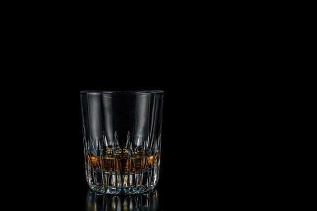 whisky-644372_1920.jpg
