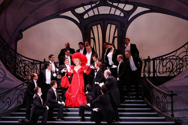 THE MERRY WIDOW_photo by Kent Miles_web.jpg