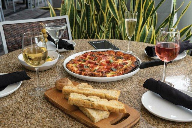 Prezzo_Pizza Bread Garlic Pear Pasta (3)_web.jpg