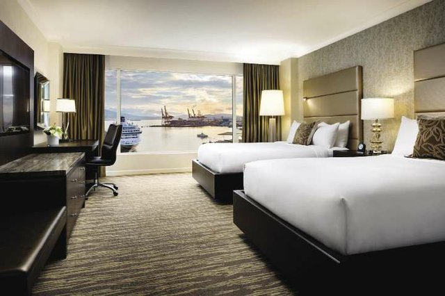Signature_Harbour_Room_opt.jpg