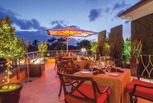 PoloClub-The Terrace - Sunset Dining_4_web.jpg