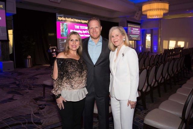 LevisJCC1_Marisa & Matthew Baker with Judy Levis Markhoff_ 0056_WendyJStudios_web.jpg