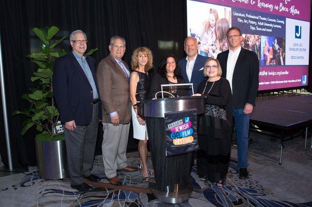 LevisJCC5_Les Rich, Bob & Pam Weinroth, Cindy Bergman, Randy Colman, Wendy Honig, Nati Dinnar_0029_WendyJStudios_web.jpg