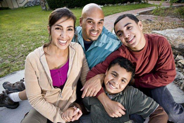 Faulk-family.jpeg_web.jpg
