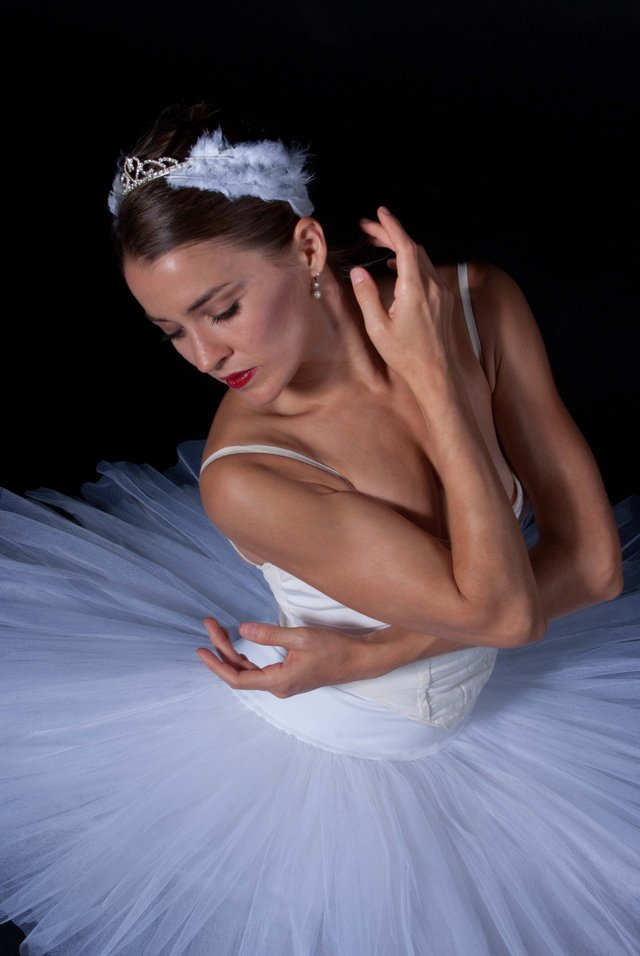Ballet Palm BeachClassical, Swan Lake, Lily Ojea Loveland; PC Harris_web.jpg