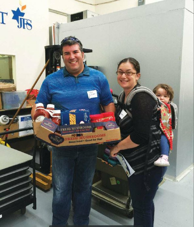 JFS-Family Delivery for Jacobson Family Food Pantry_web.jpg