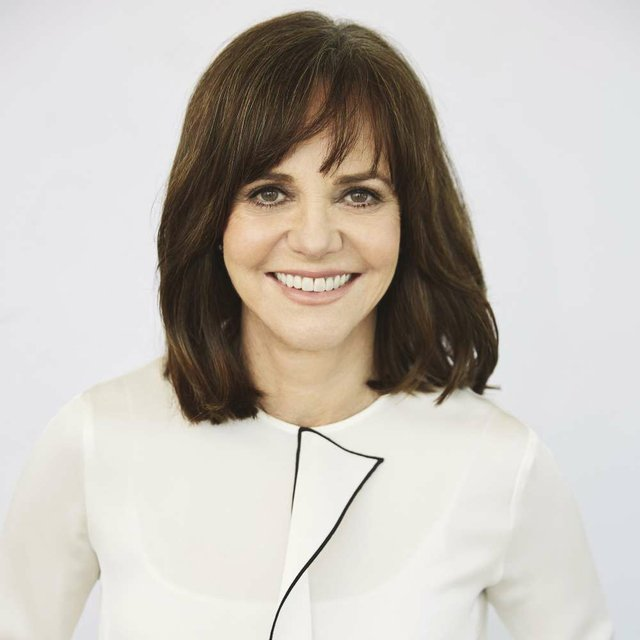 Sally-Field_opt.jpg