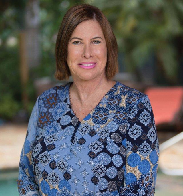 Therapies-Eileen de Oliveira_web.jpg