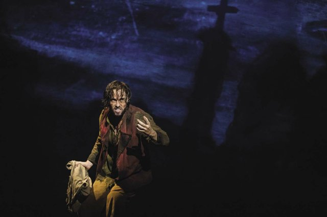 01_LM_TOUR_0455_Nick_Cartell_as_Jean_Valjean_opt.jpg