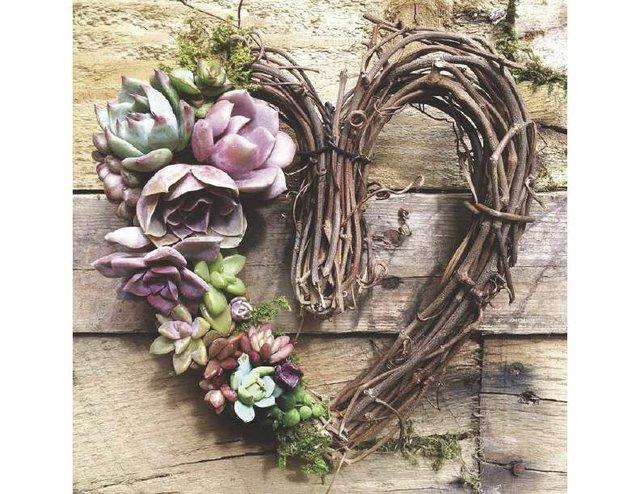 Wreath_opt.jpg