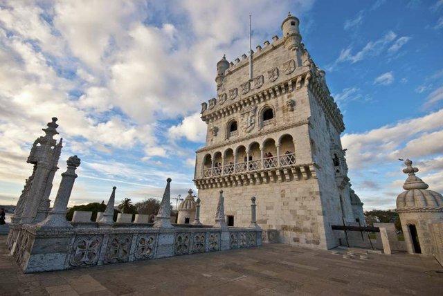 Belem_Tower_Lisbon_-_iStock_20882027_Large_opt.jpg
