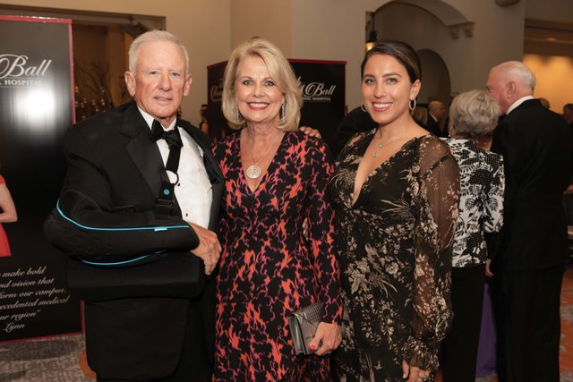 Richard & Barbara Schmidt, Michelle Maros_web.jpg