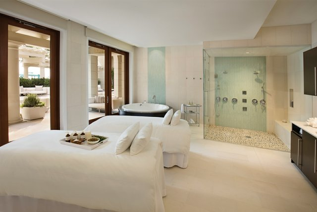 Breakers-Spa-Suite_002R.jpg