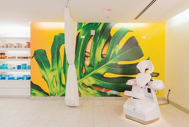 W-Fort-Lauderdale-AWAY-Spa----QuickFix-Massage-Booth.jpg