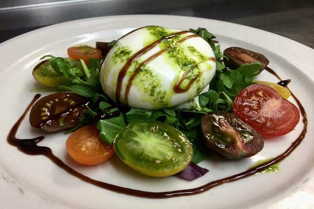 CaffeLunaRosa-heirloom tomatoie_web.jpg