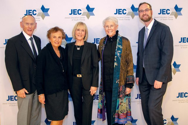 JEC Dinner 2019-2-edit_web.jpg