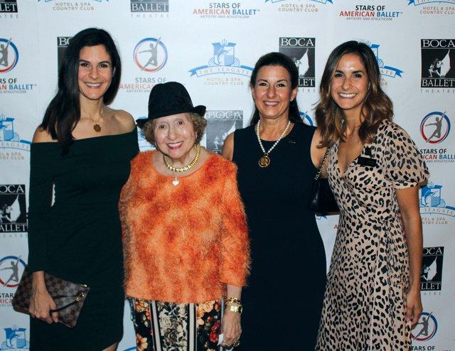 Patricia Vaca, Marleen Forkas, Patricia Ramudo, Andrea Virgin_web.jpg