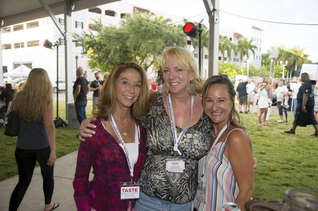 A-Kelly Lefaivre, Diane Hubble & Julie Heffernan.jpg