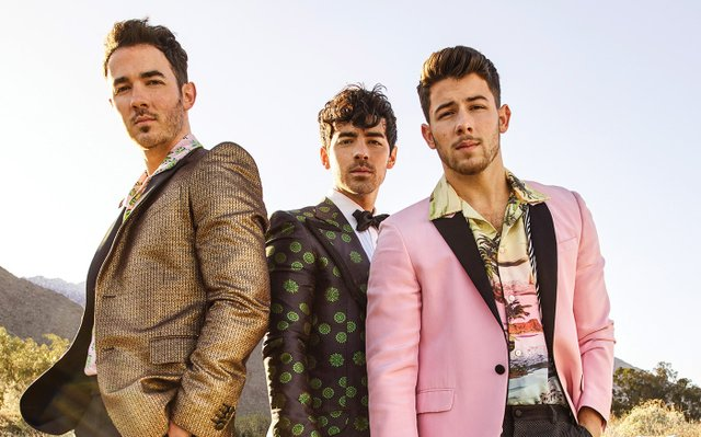 Holiday calendar NYE Jonas Bros. by Peggy Sirota.jpg