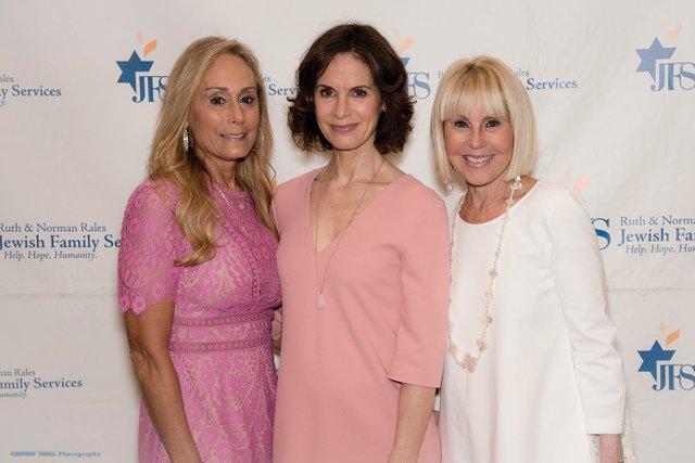 1 Robin Rubin, Elizabeth Vargas, Olivia Shapiro.jpg