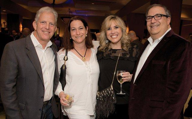 Photo 6 Gary & Jennifer Lesser and Emily & Stephen Grabelsky JT-13905.jpg