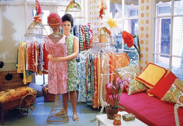 Lilly-in-her-first-store_Lilly-Pulitzer_WithoutWatercolor_EDIT.jpg