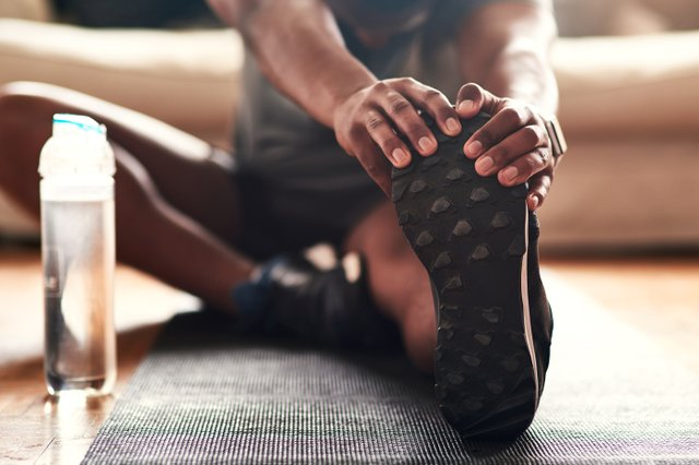 Workout_Home_Stretching_iStock-1187354794.jpg