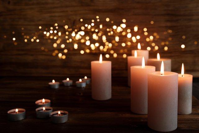 Candles_Bokeh_iStock-1179548872.jpg