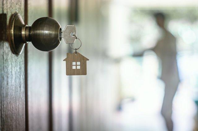 Home_Keys_Door_iStock-1140575447.jpg