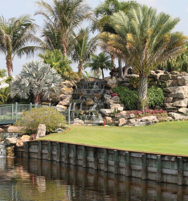 Polo_Golf Fountain and Bridge_webTEASER.jpg