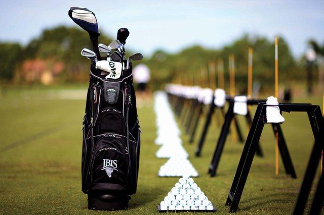 IBIS_Golf bag driving range_web.jpg